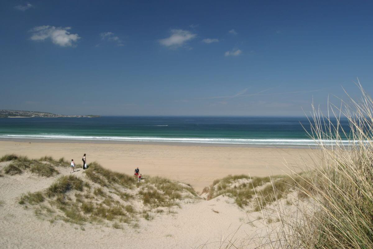 beach holidays in cornwall